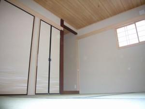 真壁同様に見える大壁和室